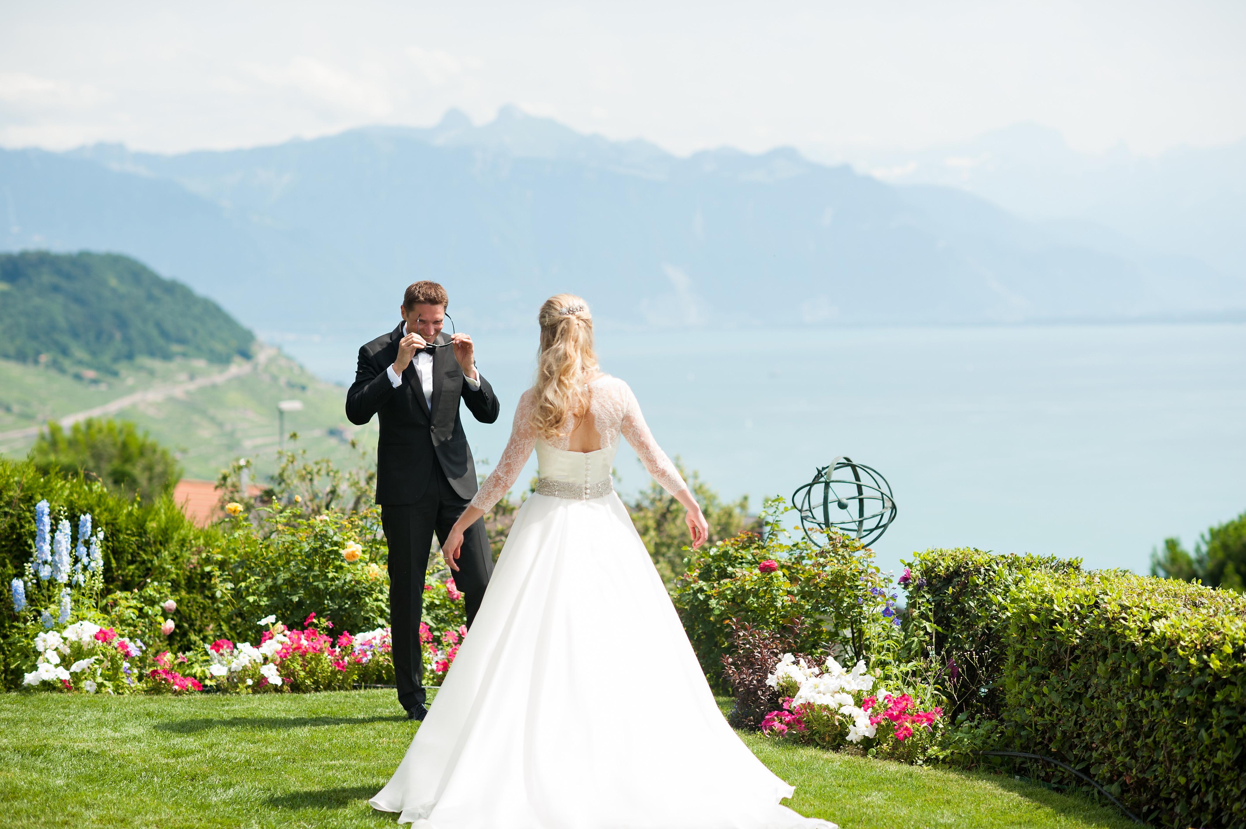 Samantha andreas 50 belle en blanc robe de mari e for Belle jardin blanc de blancs