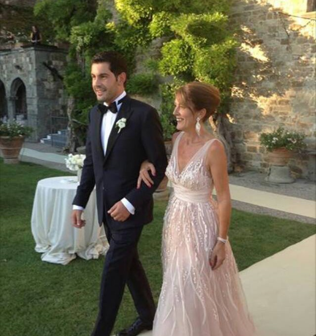 STUNNING MOTHER ANNA IN TUSCAN FAIRYTALE