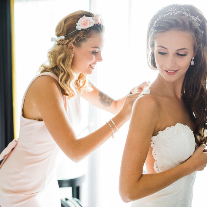 5 Wedding Dress Shopping Tips